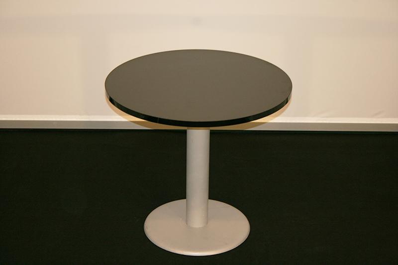 Noleggio tavoli af allestimenti fieristici for Tavolo nero